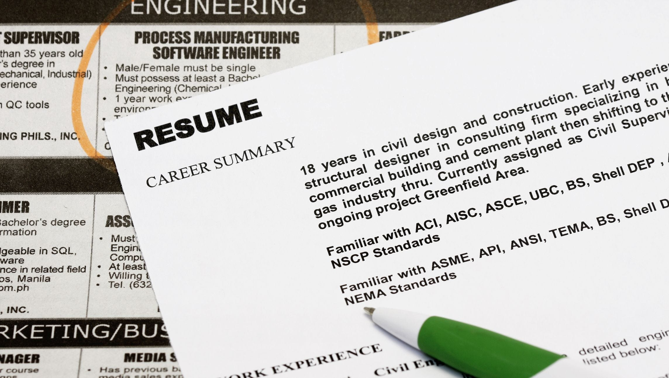 résumé and interview tips for older job hunters resume paper thinkstockphotos best Resume Resume Paper For Interview